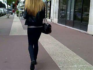 petit cul blondinette etudiante - nice ass
