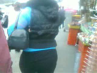 Gorda culona en leggings negros