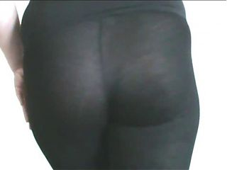 MY ARSE IN BLACK LEGGINGS FOR YOU TO CUM OVER - JOI